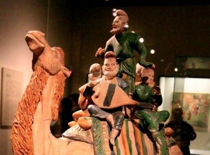 国家博物馆藏极品唐三彩釉陶骆驼载乐俑欣赏
