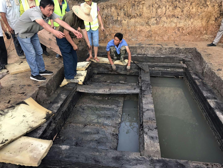 荆州博物馆对西汉古墓擂鼓台墓地29号墓考古发掘