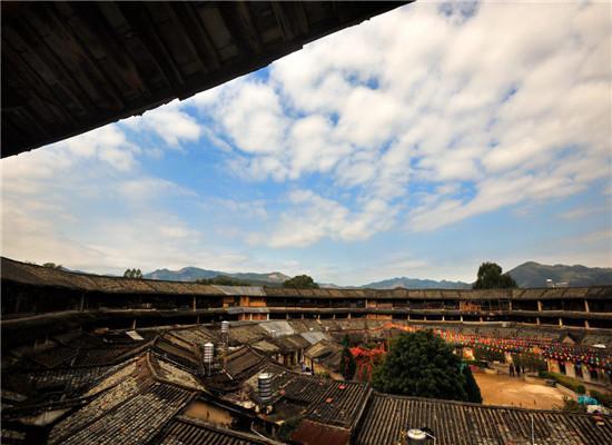 道韻樓:中國最大的八角圍屋