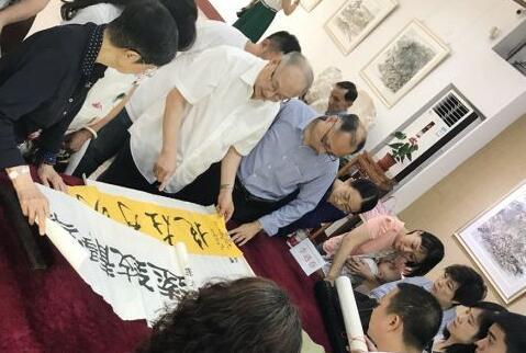 """陈树人纪念馆邀国家级文物鉴定专家为市民""""鉴宝"""""""