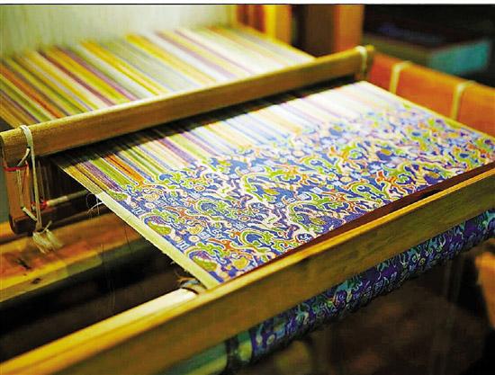 中国丝绸博物馆复原国宝,再现2000多年前织锦技术