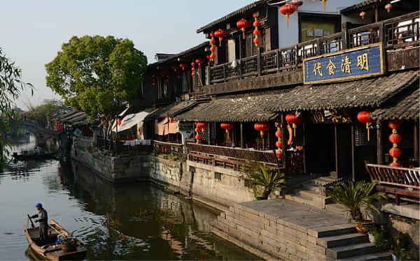 西塘圣堂:一個熙熙攘攘熱熱鬧鬧的福地