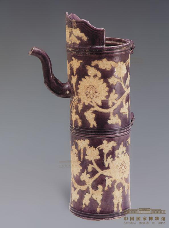 紫地白花缠枝莲纹多穆壶