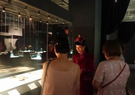 200件组蒙古族文物亮相西安