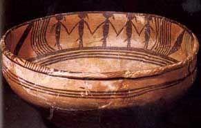 马家窑文化--舞蹈纹彩陶盆