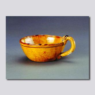 黄釉龙柄洗