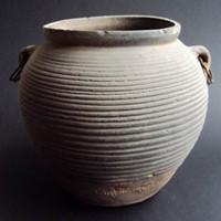 我国首次深海考古发现第一个文物标本:陶罐