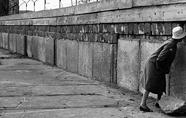 柏林墙是怎样竖立起来的?