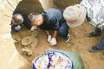 肃州发现三座魏晋古墓葬 出土陶器琥珀文物