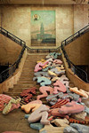 上百個床墊組成的公共藝術