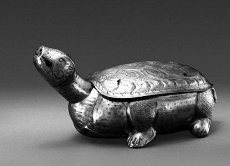 """被""""误解""""了几十年的鎏金银龟盒"""