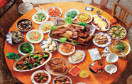 中国传统年俗的那些事儿:佳肴满案 大快朵颐