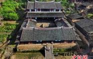 """探访""""中国历史文化名村""""桂峰:石街曲巷 小桥流水"""