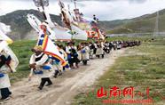 西藏山南桑日县绒乡程巴村群众:欢度望果节 喜迎丰收年