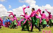 甘肃甘南办旅游节 数万人共庆合作建市20周年