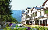 建设一新的石泉县喜河镇民俗风情街