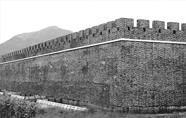 """千年古镇""""还原""""六百年前古城墙"""