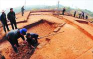 市郊下于村古墓挖出汉代大铜盆