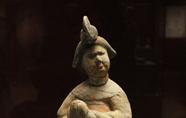 唐代胡姬俑及丝路上的女奴交易