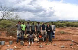 在非洲7万年前地层里 中肯考古队这个发现厉害了