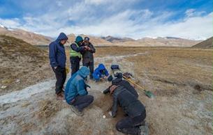 藏东南新发现早期人类活动遗迹