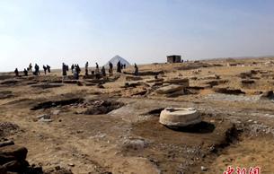 埃及考古学家新发现木乃伊 可追溯至2300多年前