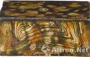 唐三彩绞胎方形瓷枕欣赏
