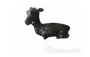 清代卧鹿形铜水盂