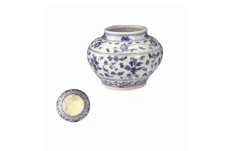 明正統—天順時期 青花纏枝花卉矮罐
