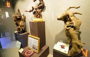 元旦去民俗博物馆,观赏巧夺天工的南京根雕艺术
