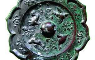 隋代铜镜上的故事