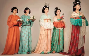 重睹古代服饰的芳华——观西安唐服复制与表演随感