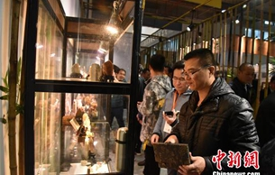 """福建惠安""""佛博会""""展现千年传统雕刻技艺"""